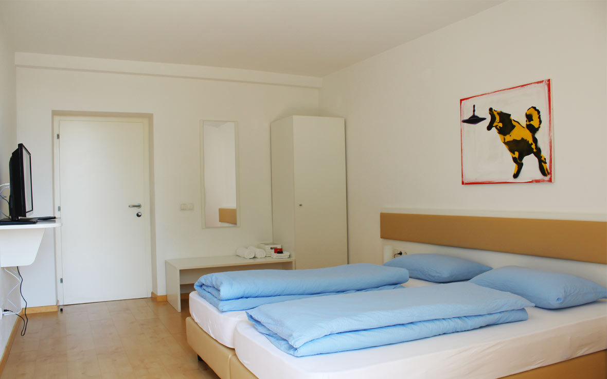 http://www.rosengartenbz.com/wp-content/uploads/2017/02/manzoni-rooms-meran.jpg